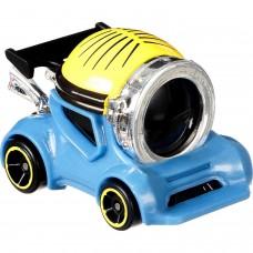 Машинка Hot Wheels Миньоны Стюарт GMH79